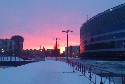 Obejrzenie krwawego wschodu słońca w czasie petersburskiej zimy